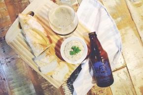 Comendo cerveja #1: Pasta de cebola caramelizada comPorter